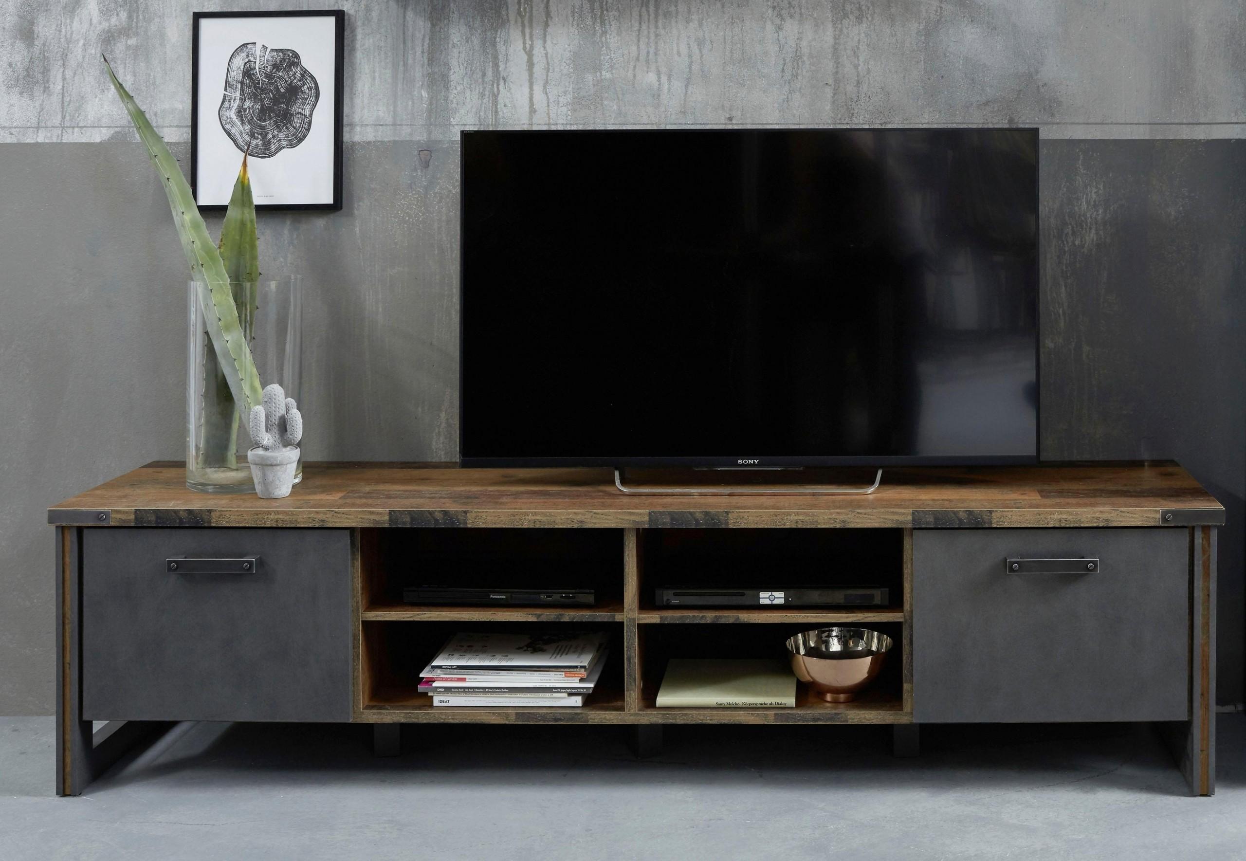 Ein neuer Trend: das Fernsehkabinett!